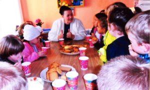 В гостях у писателя дети Мирновской средней школы N2, Симферопольский район